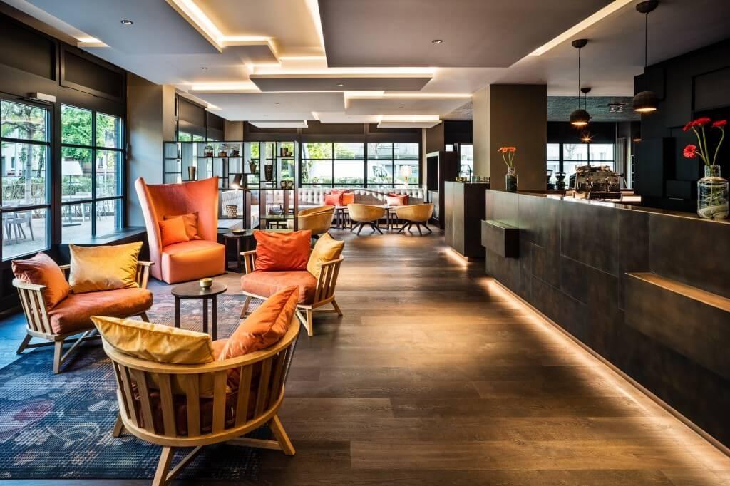 zimmer suiten saks urban design hotel frankfurt. Black Bedroom Furniture Sets. Home Design Ideas